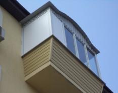 Балкон с выносом и крышей