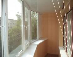 Остекление и обшивка балкона пластиковой вагонкой