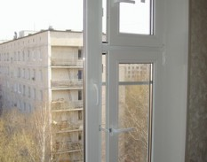 пластиковые окна сфорточкой